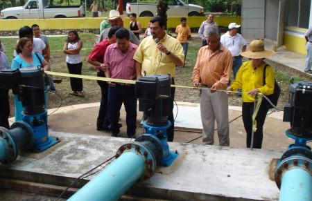 Inicio operación de planta de tratamiento de aguas residuales.