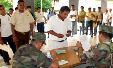 Reciben su documento de que cumplieron con sus obligacionesmilitares.