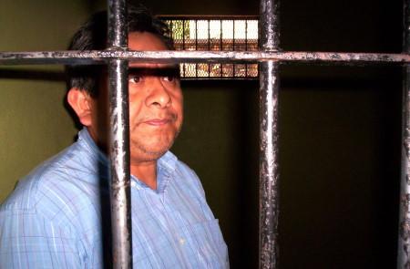 En marzo del 2006 Cruz Guzmán pasó una noche detenido.
