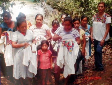 Las mujeres indigenas artesanas resultaron perjudicadas.