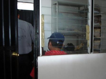 Luego de declarar, los policias fuerondetenidos.