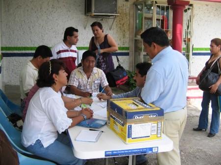 Sector salud en la región selva acudió a votar para elegir su dirigenciasindical.
