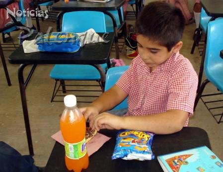 Malos habitos alimenticios, el origen de problemas de salud en niños.