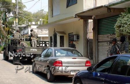 Militares resguardan el per�metro de la Fiscal�a Distrital.