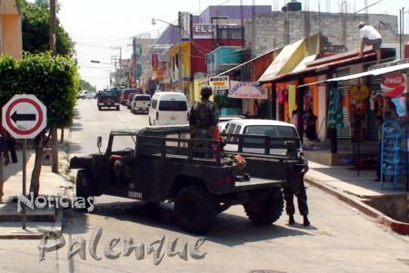 Militares restrigieron paso de veh�culos y peatones