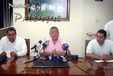 Ministro de Justicia ofiicializó los cargos.