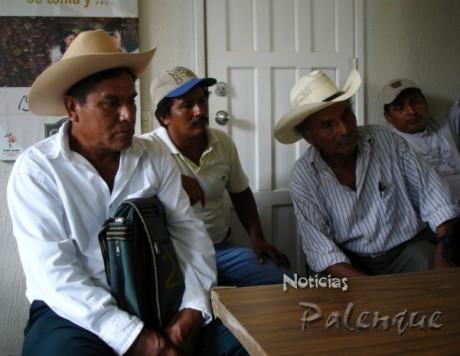 Agente municipal y pobladores denunciaron la irregular situacion.