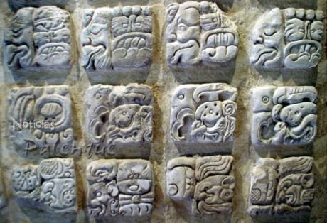 Deciframiento de glifos permitió conocer aspectos inéditos de los mayas.