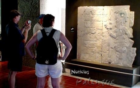Las obras maestras de la iconografia maya fueron documentadas por Merle Green.