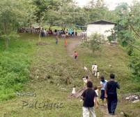 http://noticiaspalenque.files.wordpress.com/2008/07/para-llegar-a-la-escuela-hay-que-atravezar-un-canada-y-cruzar-un-puente.jpg