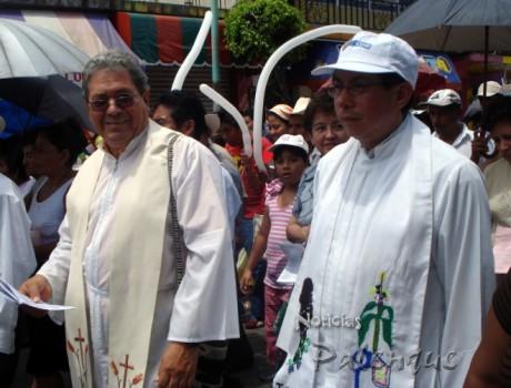 El párroco de Palenque y el de Catazajá encabezaron la procesión.