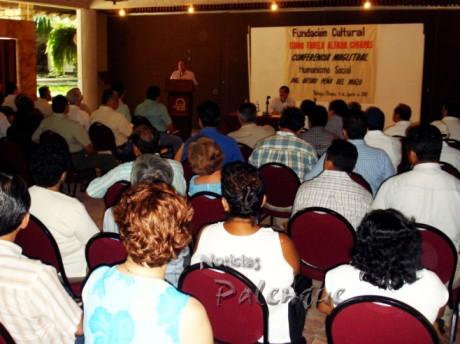El tio de Peña Nieto tuvo excelente convocatoria en Palenque.