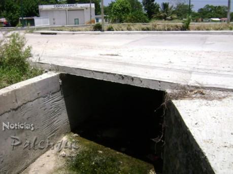 Introducción de drenaje pluvial en la cabecera municipal.