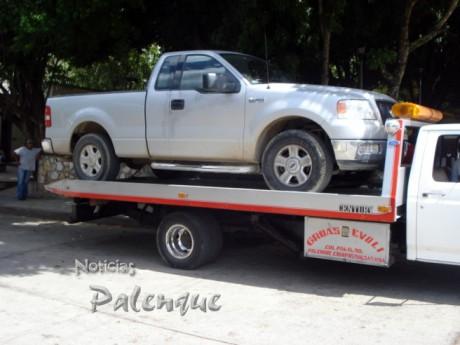 La camioneta fue trasladada a Palenque.