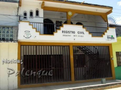 la oficialia del Registro Civil, cerrada desde el viernes pasado.