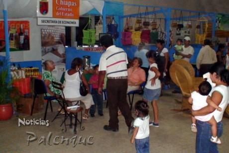 La Secretaria de Economia expuso productos de la selva.