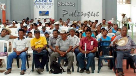 Los campesinos fueron invitados a participar en la consulta nacional.