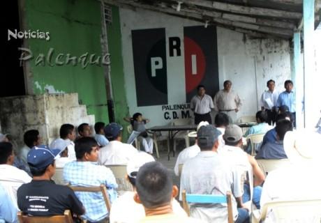 Los priistas lamentaron que el edil de Palenque no siga el ejemplo del gobernador.