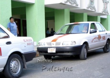 Los taxistas del Maya-Pakal desconfian ahora de hacer viajes foráneos.