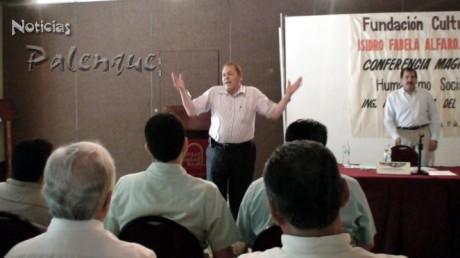 Peña del Mazo dio lecciones de humanismo a los politicos locales.