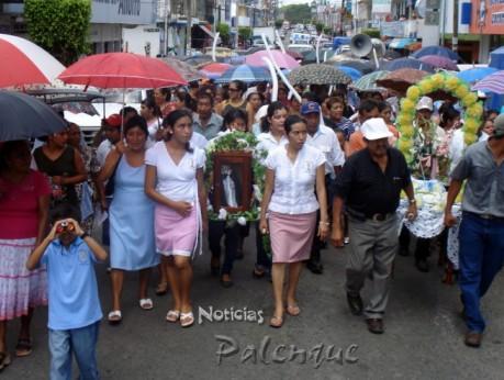 San Domingo y San Felipe recorrieron las principales calles de Palenque.
