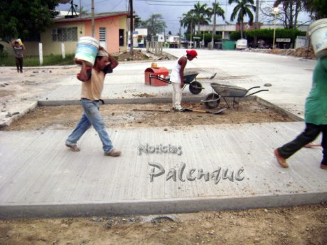 Se pavimentaron calles en la cabecera municipal.
