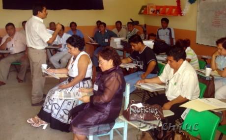 Doscientos profesores de 7 municipios reciben capacitación.