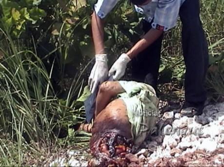 Las autoridades realizaron el levantamiento del cadáver.
