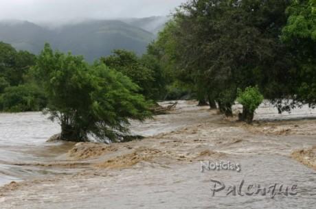 Las fuertes lluvias provocaron desbordamientos del Tulijá.