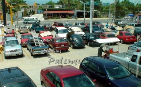 Ya van tres vehiculos que se roban del estacionamiento.