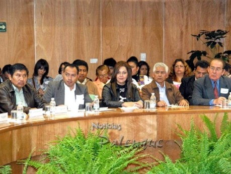 Yary Gebhardt en la reunión de los legisladores del Sector Agrario.