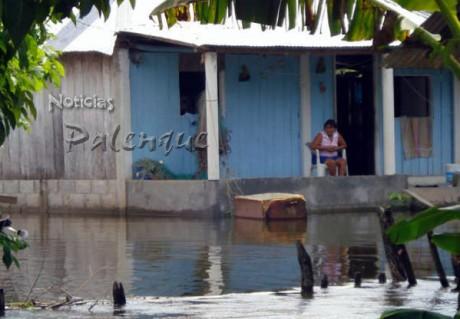 Continúan aislados por el agua en decenas de comunidades.