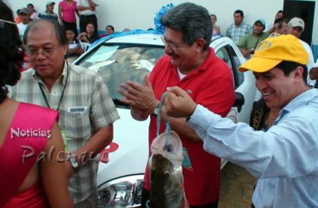 El ganador recibió un automóvil último modelo.