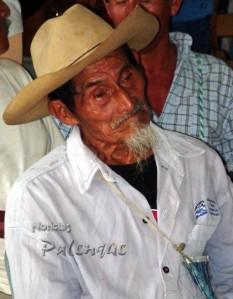 Indigenas de la 3ª edad, la población objetivo.