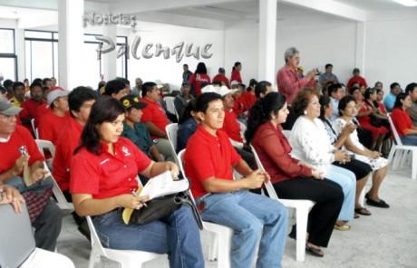 Priistas palencanos reconocieron el fortalecimiento de Arely al comité municipal.
