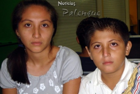 Su abuela materna y su tia los dejaron sin nada.