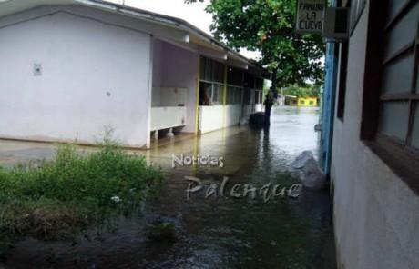 Desde hace algunas semanas algunas escuelas afectadas no tienen clases.