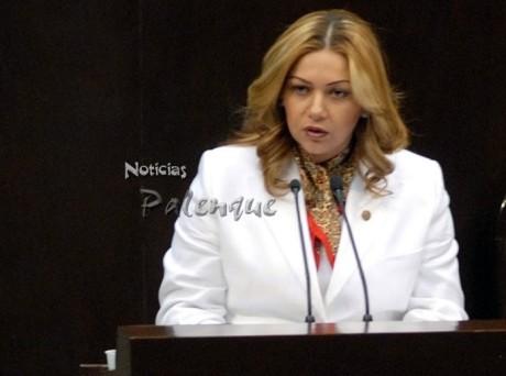 Yary representó al Grupo Parlamentario del PRI en la máxima tribuna del pais.