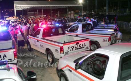 El mandatario estatal entregó patrullas a 4 municipios de la región.