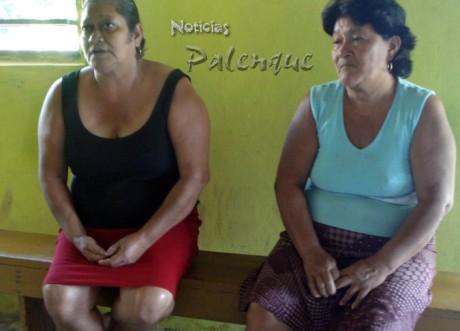 Las mujeres, angustiadas por la comida y las enfermedades.