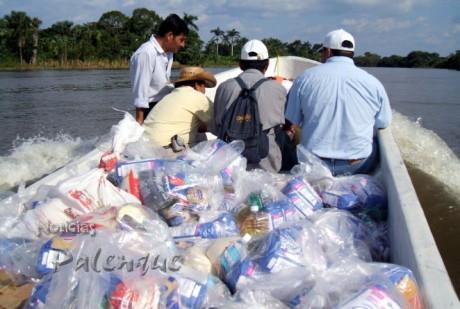 Mil despensas entregó Cruz Roja a los damnificados de Catazajá.