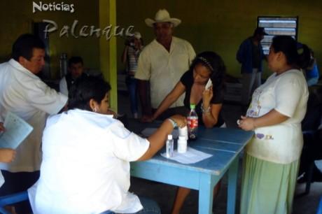 Una brigada médica atendio a la población el viernes pasado.