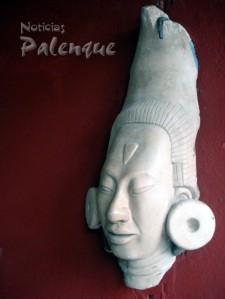 Cabeza maya finamente tallada en alabastro, otra de sus obras.