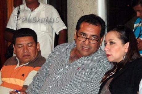Los regidores priistas de Palenque acuerparon a la senadora.