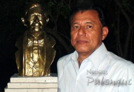 La reinstalacion del busto de Juarez demandó el Gran Maestro.