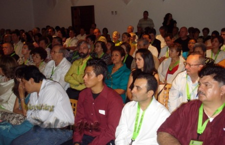 Hoteleros de todo el país reunidos en Palenque.