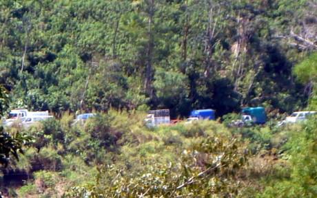 Kilometros de vehiculos varados en la carretera a Ocosingo_ER.jpg