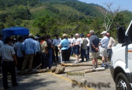 Turistas extranjeros y nacionales también resultaron afectados.