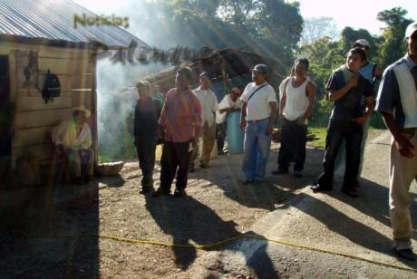 Los zapatistas retuvieron al senador y su familia en Agua Azul.