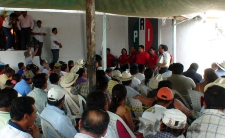 El candidato recibió el apoyo de los sectores de su partido.